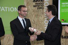 """Tecno K Giunti premiata al SAIE nella categoria """"Sistemi materiali e tecnologie per il consolidamento e la protezione sismica""""."""